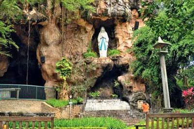 Goa Muria Lourdes di Kediri