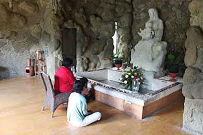 rumah retreat gua maria bunda karmel