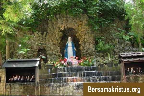 Goa Maria Sendangsono di Yogyakarta