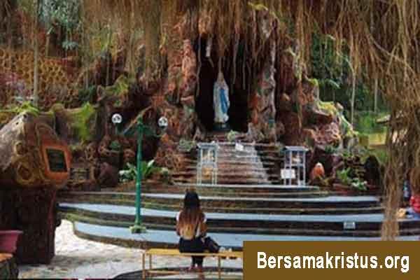 Goa Maria Sriningsih di Klaten