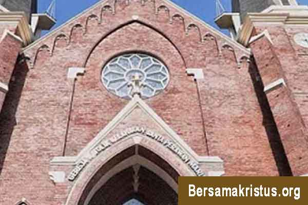 Gereja Katolik Kelahiran Santa Maria Surabaya